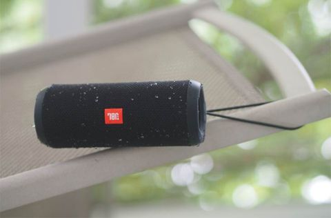 JBL Flip 3 Review: JBL Flips on the Bass | Tom's Guide