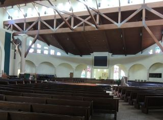Tannoy QFlex Provides Intelligibility and Coverage for Church in The Round