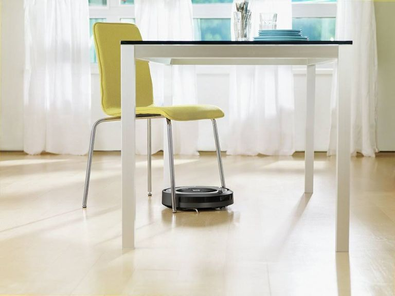 Labor Day 2019: Roomba by iRobot 680 Robot Vacuum