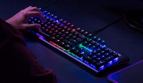 SteelSeries Apex M750 Keyboard Review: Expensive Efficiency