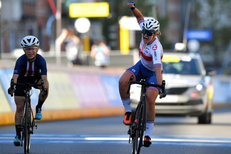 Zoe Backstedt wins the 2021 Junior Women's World road race championships in Leuven, Belgium