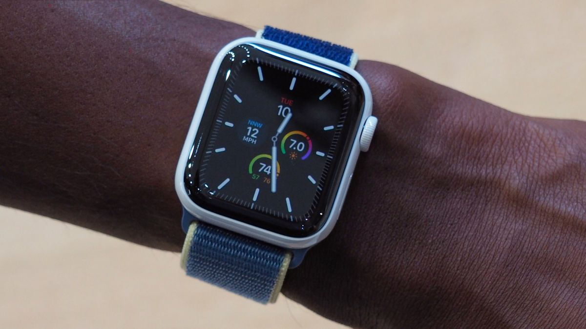 How to use Theater Mode on the Apple Watch