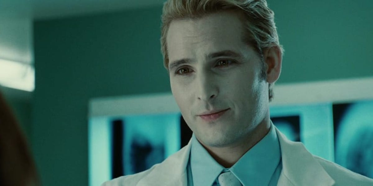 Peter Facinelli as Carlisle Cullen in Twilight