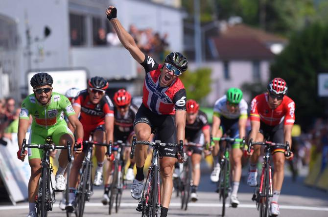 Edvald Boasson Hagen (Dimension Data) sprints to the win