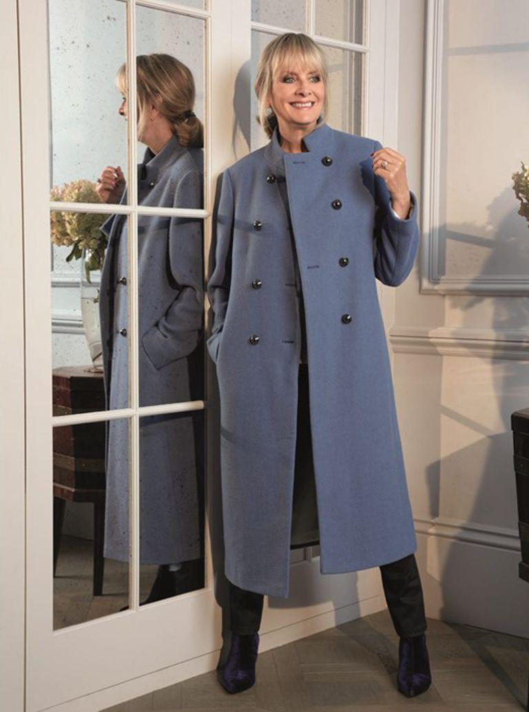 twiggy-blue-coat