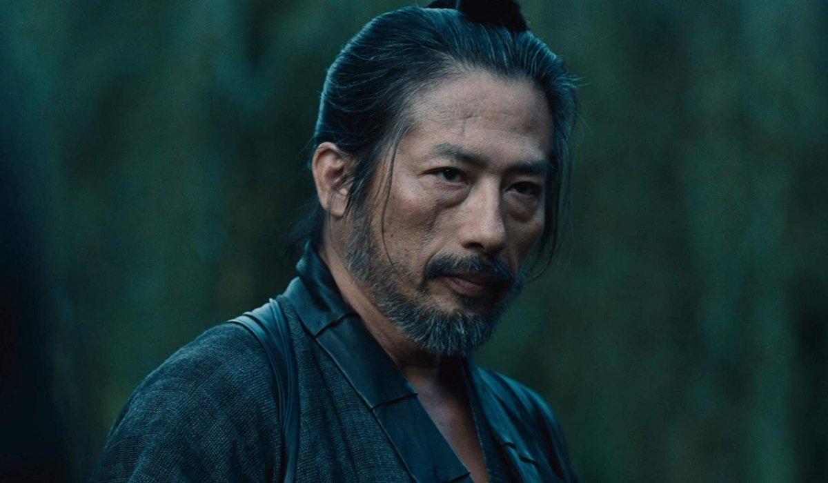 Westworld Hiroyuki Sanada dressed as a samurai in front of some bamboo