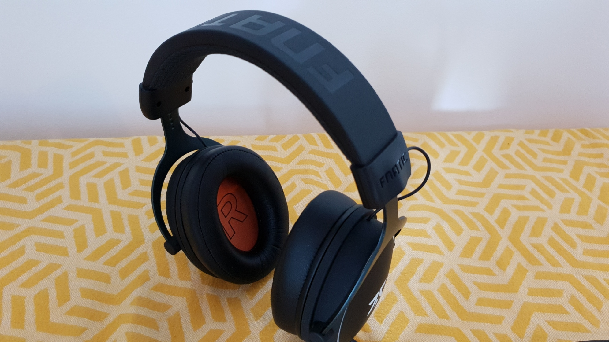 Fnatic React Plus headset