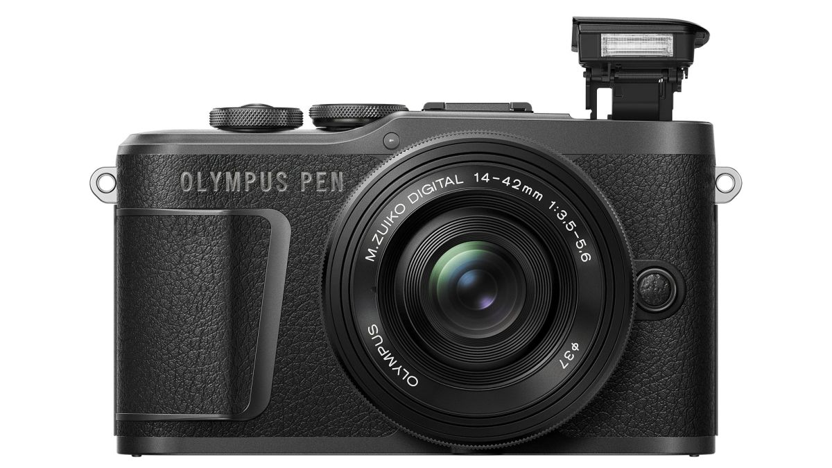 """Olympus PEN E-PL10 camera is """"lighter than a 500ml bottle of water"""" - UPDATE"""