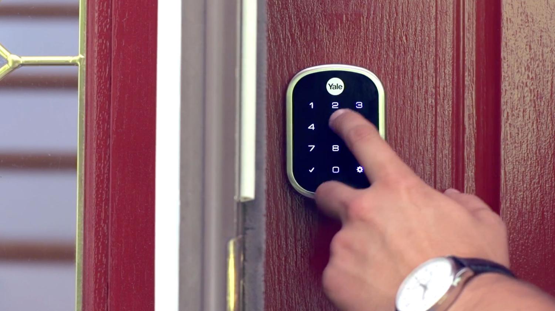 Best smart lock: Yale Real Living Assure SL