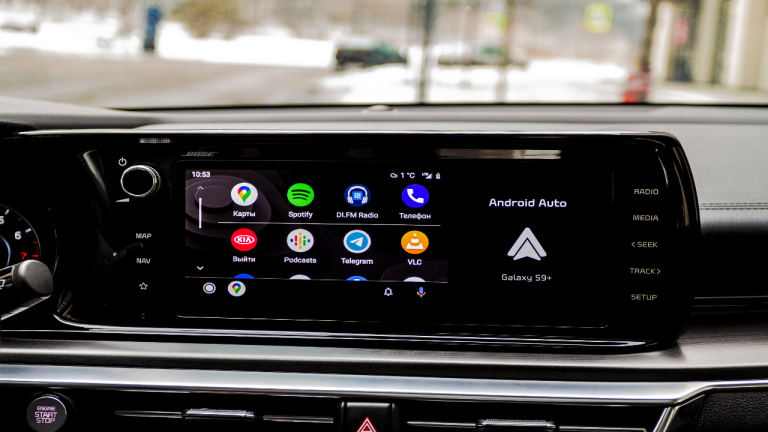 Android Auto on dash screen