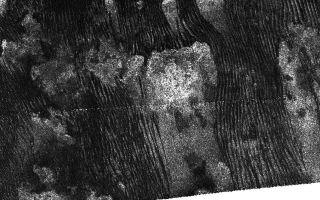 Cassini Captures Familiar Forms on Titan's Dunes 1920