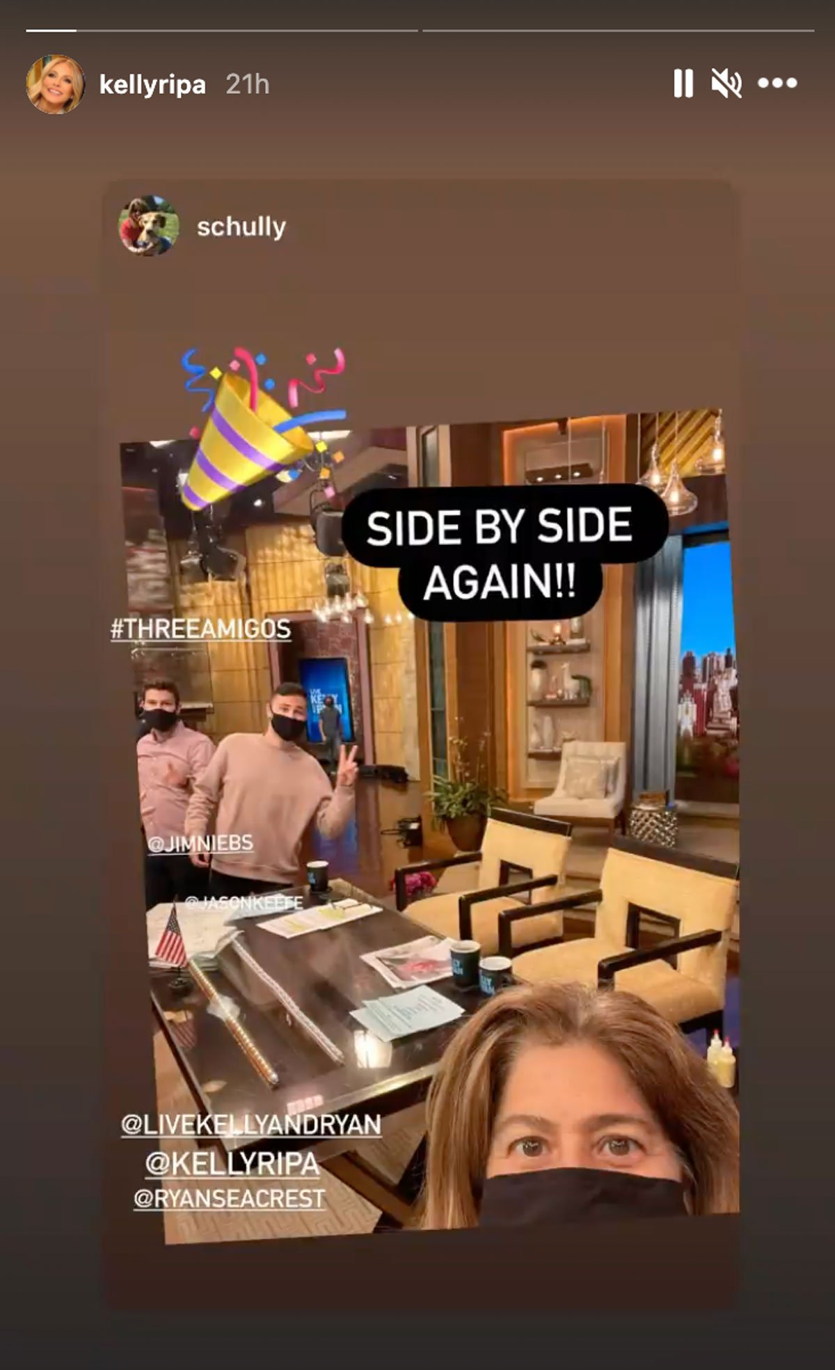 Kelly Ripa look at the chairs on set