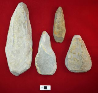 The stone tools found by the CRAG team vary in size, from around 220 millimeters (8.5 inches) in length, down to about 50 millimeters (2 inches).