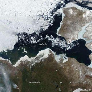 arctic-spring-100616-02