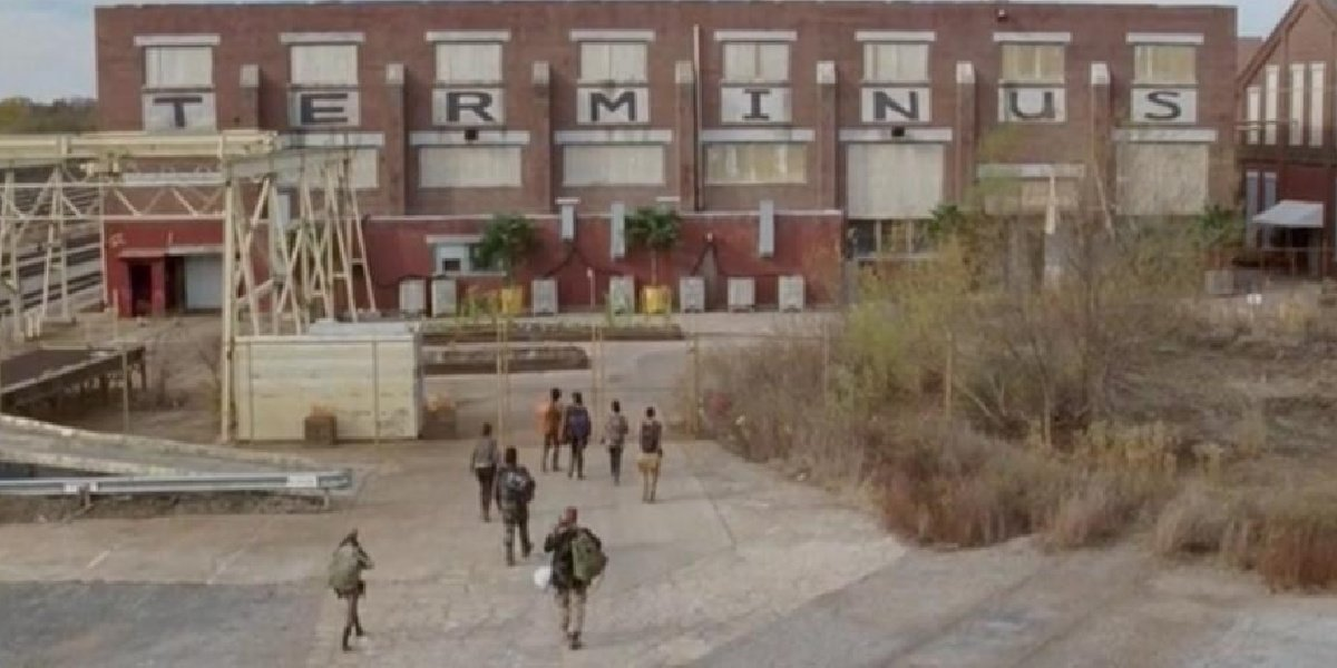 The group walking into Terminus at the end of Season 4 of The Walking Dead.
