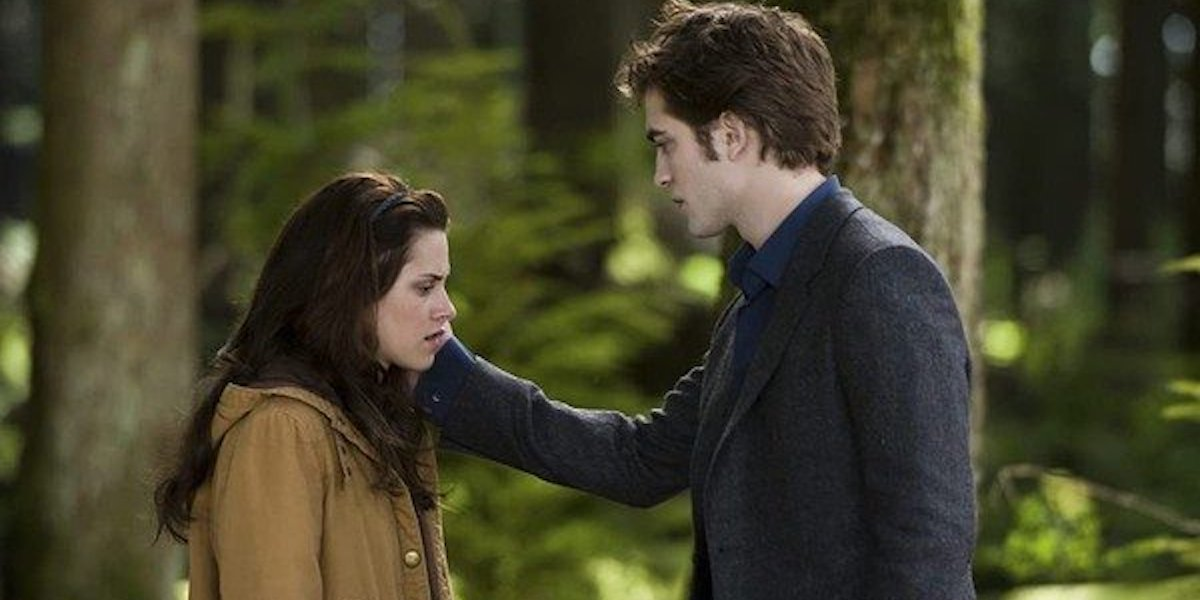 Kristen Stewart and Robert Pattinson as Bella and Edward during the New Moon breakup scene