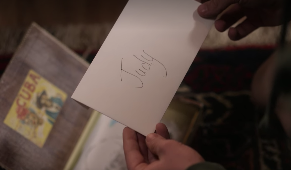 dead to me season 2 charlie finds jen's letter to judy