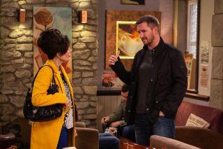 Faith quizes Pete in Emmerdale