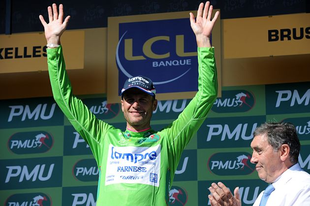 Alessandro Petacchi in green, Tour de France 2010 stage 1