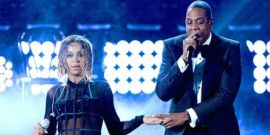 A Fan Stormed The Stage And Chased Jay-Z And Beyonce During Show