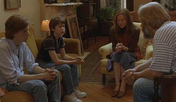 The Squid and the Whale Jeff Daniels Jesse Eisenberg Laura Linney family meeting