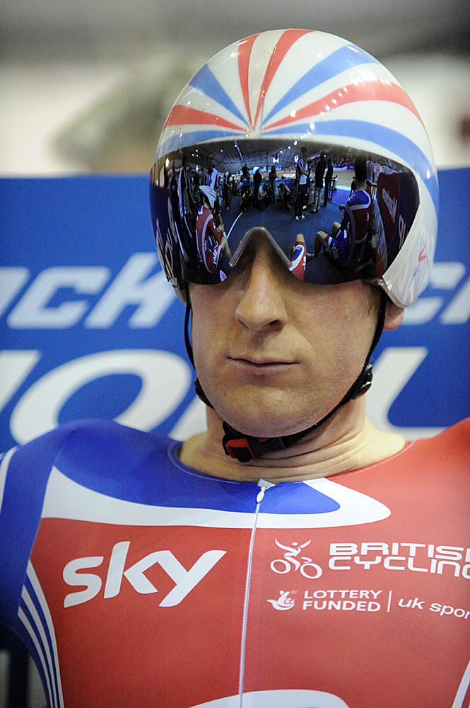 Bradley Wiggins, Britain wins team pursuit, Manchester Track World Cup 2011