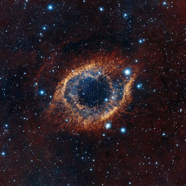 چشم طلایی بزرگ | سحابی هلیکس