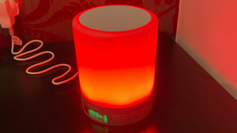 Beurer Wake Up Light WL50 emitting red light