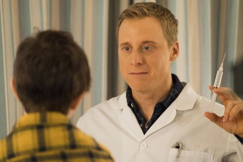 In 'Homesick,' Harry Vanderspiegle (Alan Tudyk), an alien disguised as a human doctor, squares off against Max Hawthorne (Judah Prehn), a boy who's the only person that can see his real form.
