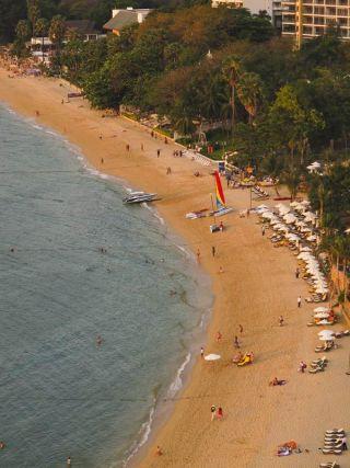 pattaya-beach-110201-02