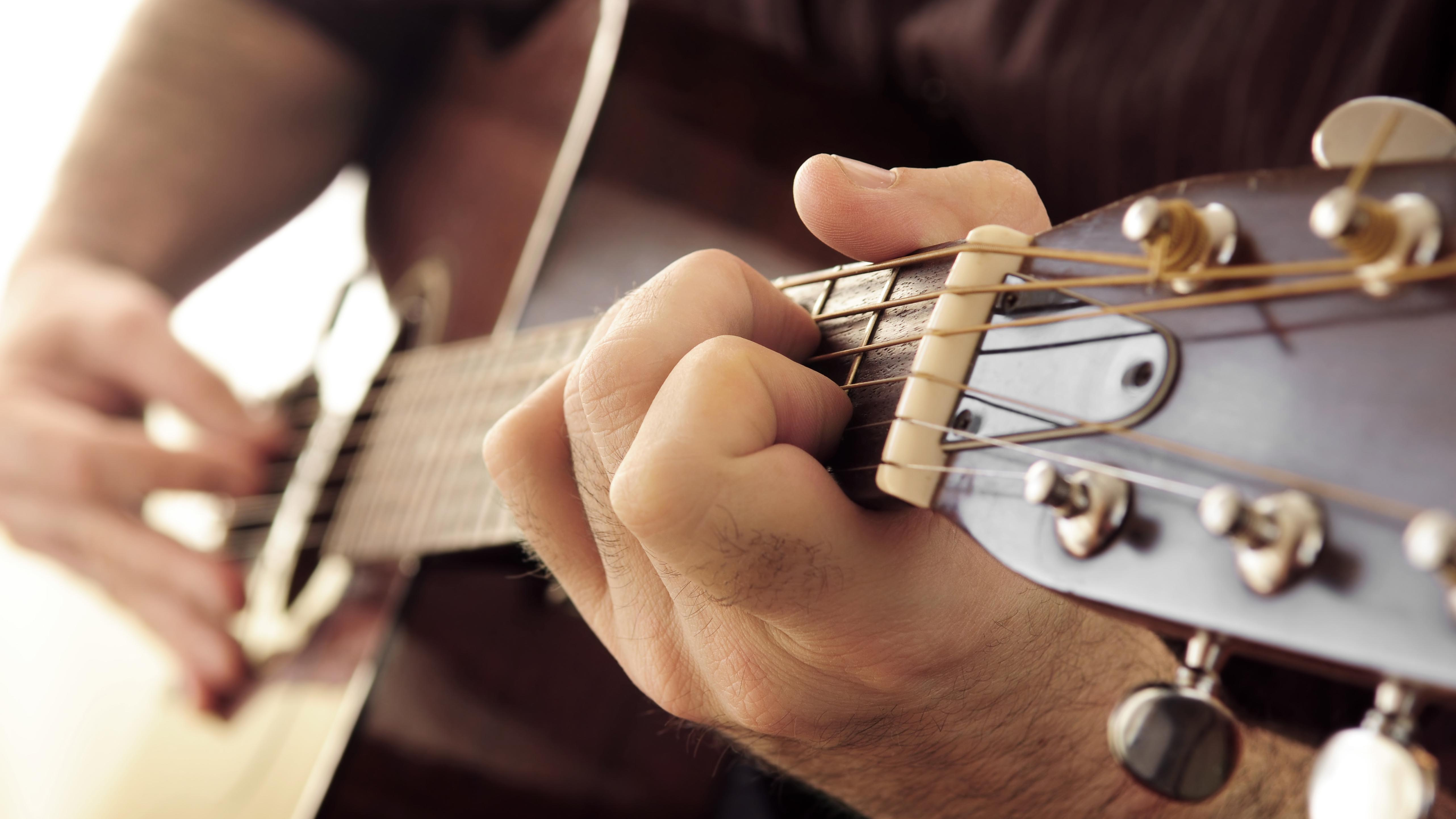Go Beyond Basic Guitar Chords With These Must Learn 7th Shapes
