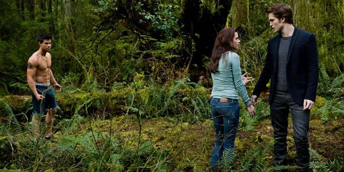 Taylor Lautner, Kristen Stewart and Robert Pattinson as Jacob, Bella and Edward at the end of Twilight New Moon