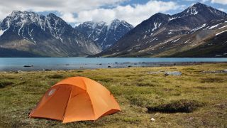 how to choose a tent: wild camping