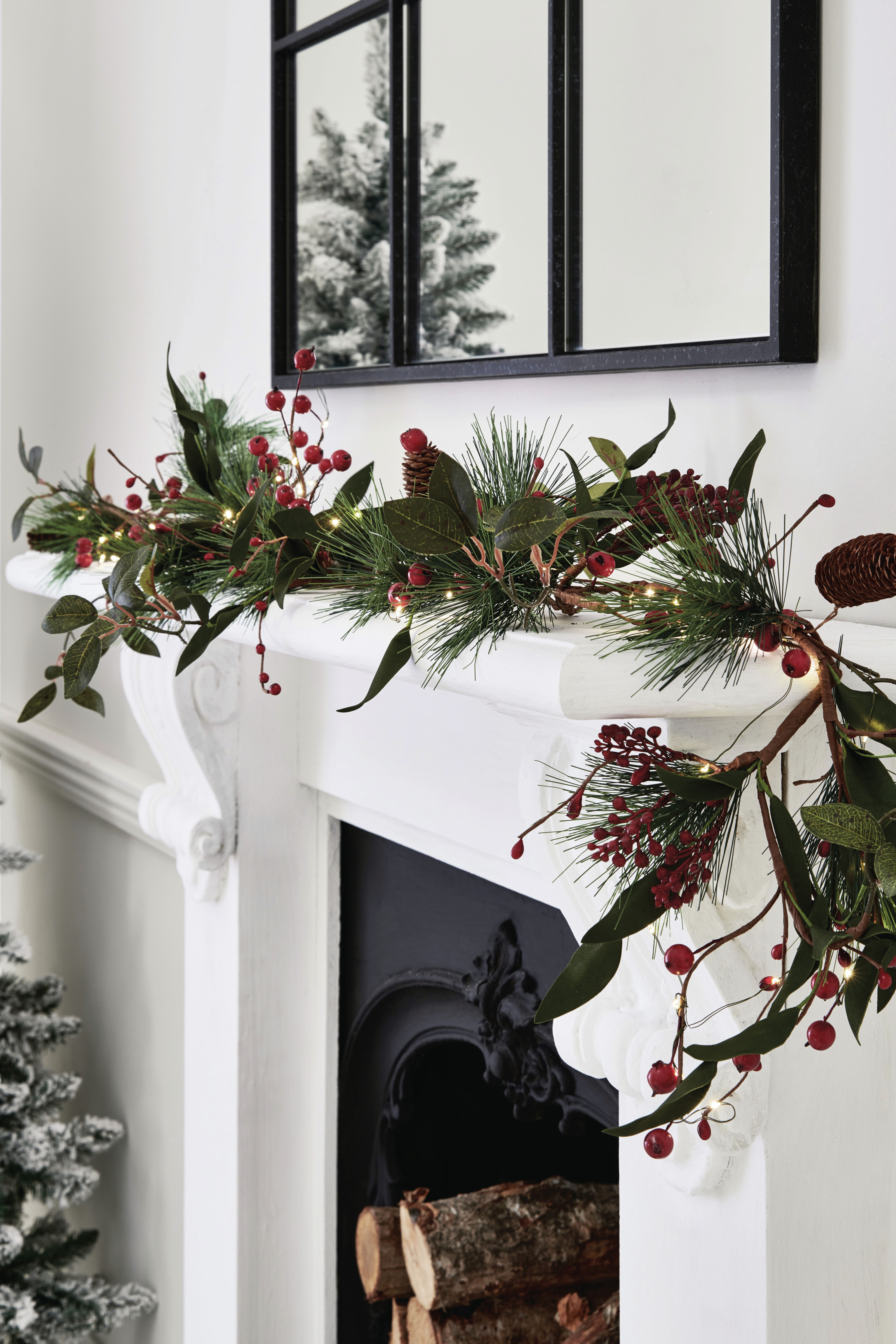 Gold or Silver Christmas Tree /& Bells Metallic Garland Decoration 2 meters