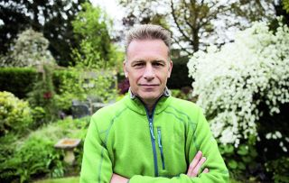 Chris Packham is on a mission to find out how much wildlife can be found in the Great British garden.