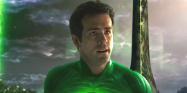 Green Lantern's Ryan Reynolds Plans To Watch His DC Dud And Drink A Ton Of Gin, So Let's Join Him