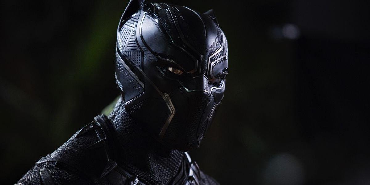 Black Panther mask in Marvel 2018 movie