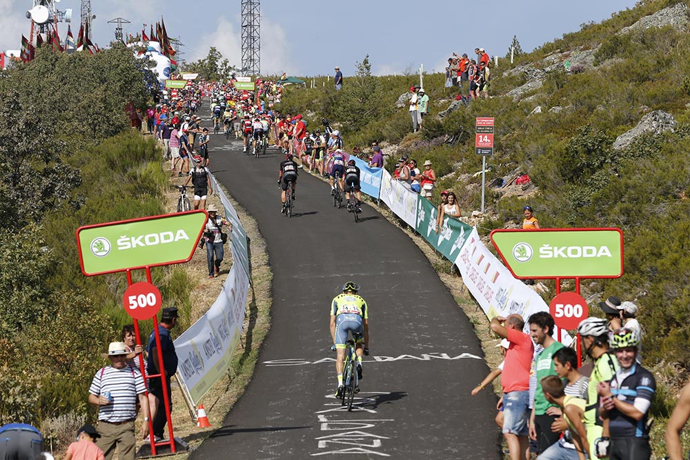 Summit finishes will fill nine of the stages at the Vuelta this year  (Sunada) dffa44135