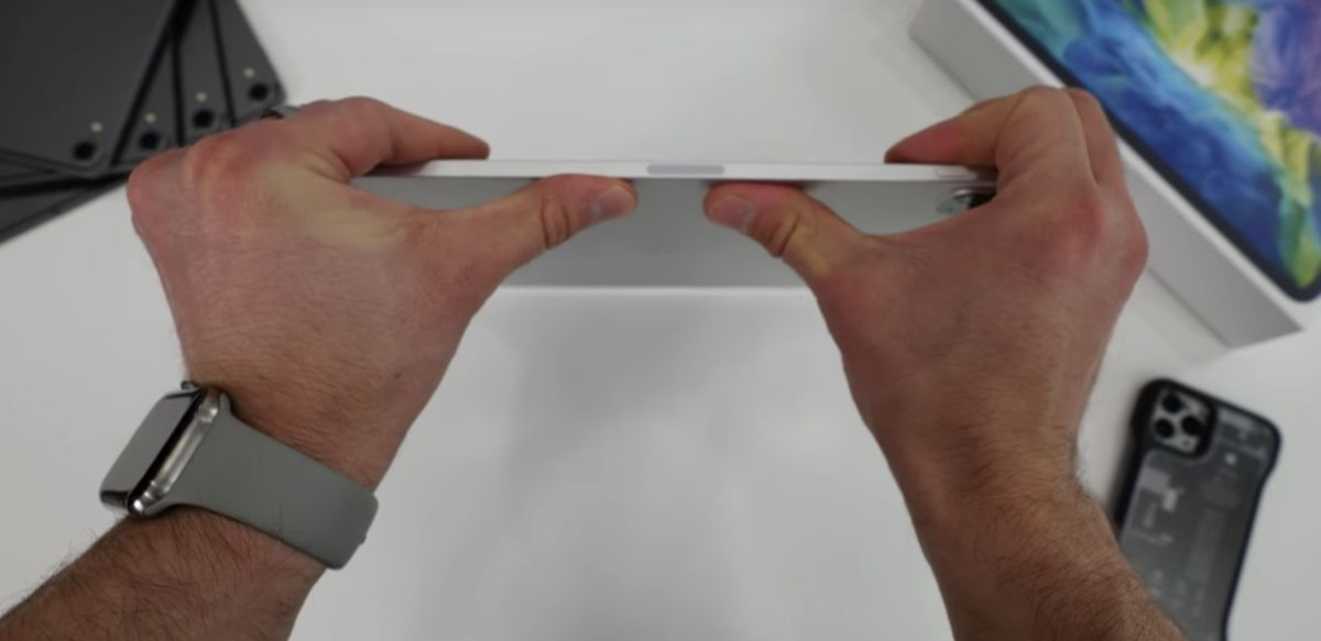 iPad Pro still can't survive the bend test: Here's proof