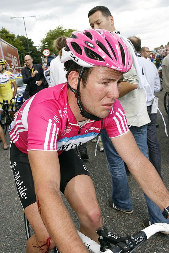 Mark Cavendish, upset after stage one crash