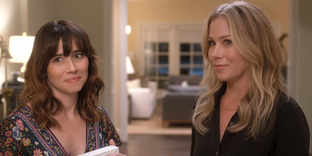 Linda Cardellini and Christina Applegate on Dead to Me