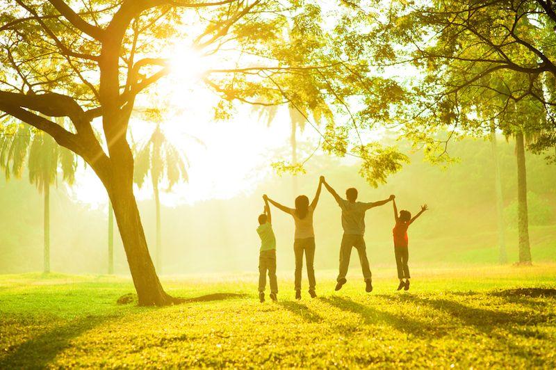 25 Scientific Tips For Raising Happy (& Healthy) Kids