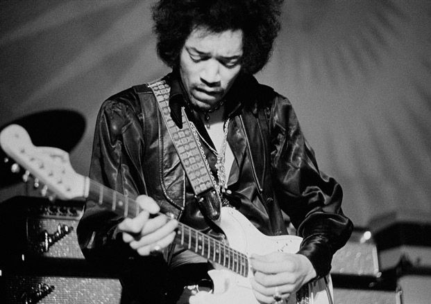 Five Essential Blues Licks from Jimi Hendrix, T-Bone Walker, Elmore James, Stevie Ray Vaughan and Johnny Winter