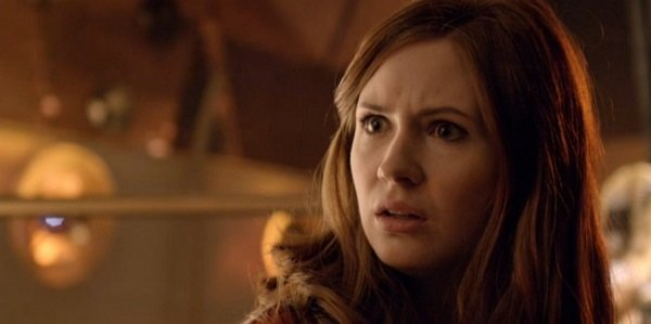 Don't Blink: Karen Gillan Proves Doctor Who's Moffat Has Weeping Angel In His Garden