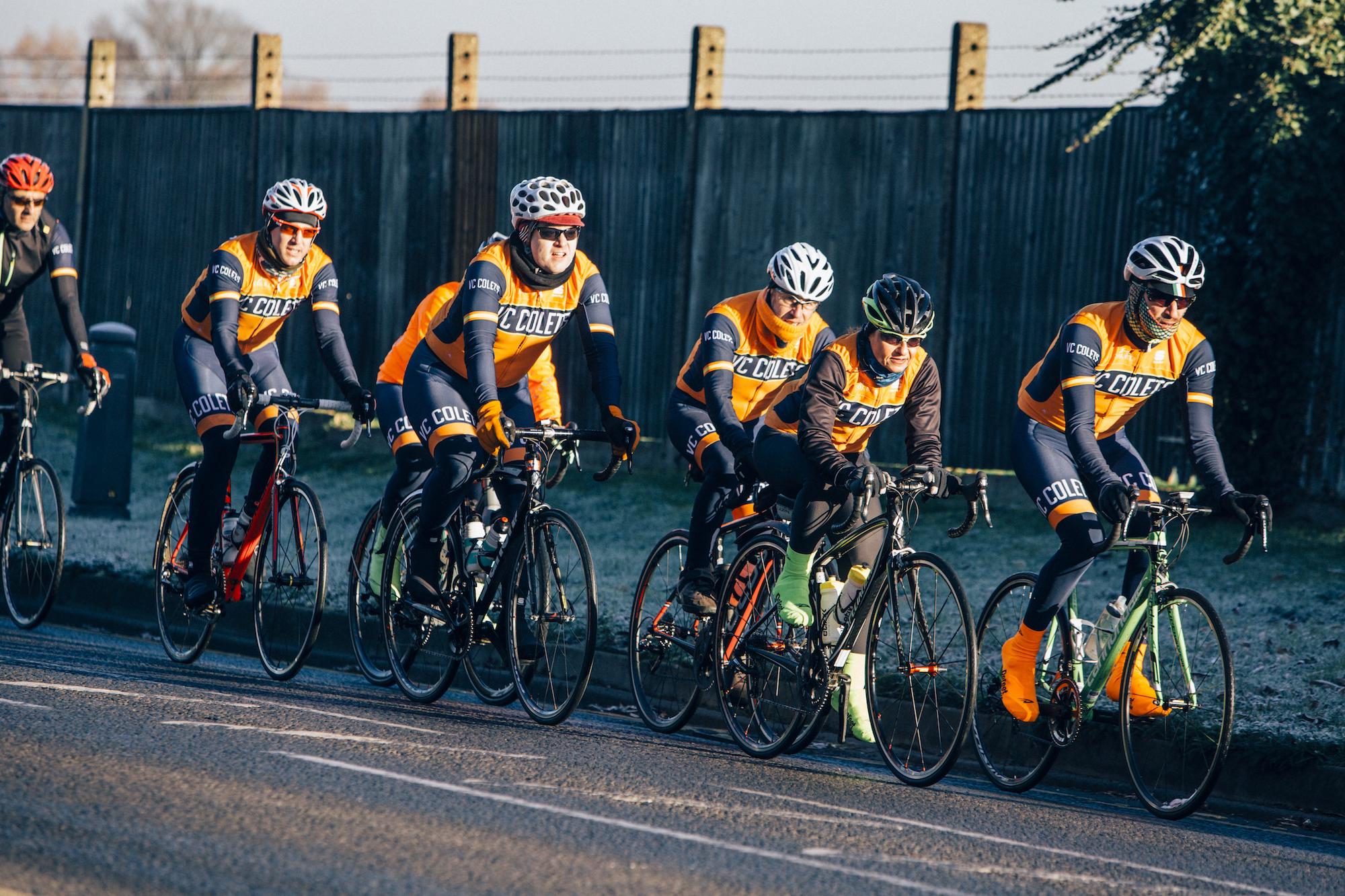 Como pedalar em um grupo - não sobreponha rodas