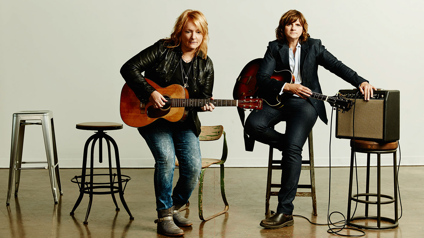 Indigo Girls Emily Saliers Talks Four Voices Guitar Roots And