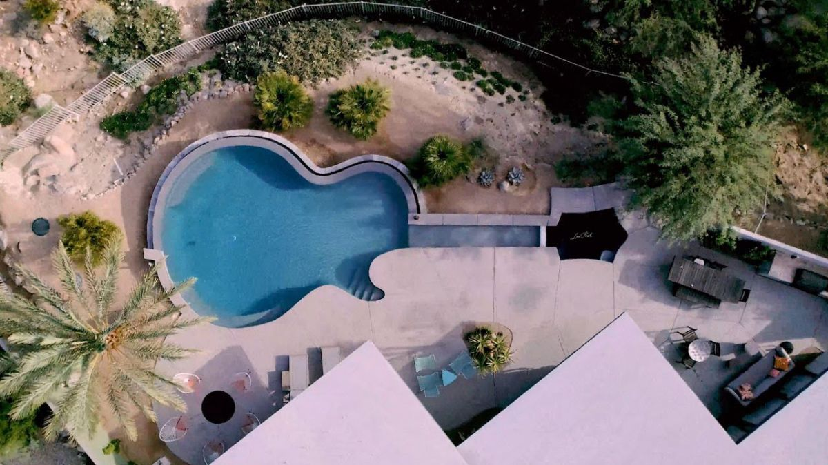 Paul McCartney guitarist Brian Ray has a Les Paul-shaped swimming pool - and yes, it's called the Les Pool