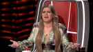 The Voice's Kelly Clarkson Is Not Holding Back In Her Blunt Critiques Of Blake Shelton In Season 21