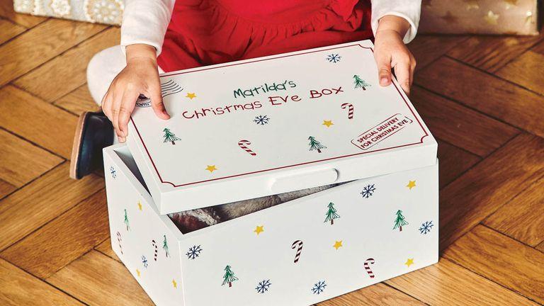 JoJo Maman Bébé Wooden Christmas Eve Box