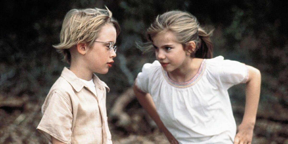 Anna Chlumsky and Macaulay Culkin in My Girl